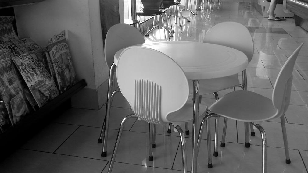 bar-e-ristorante-con-angolo_med_hr