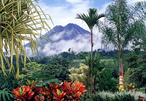 i-vulcani-e-la-foresta-del_med_hr in costa rica