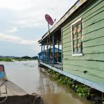 Villaggio galleggiante a Chhnang Cambogia