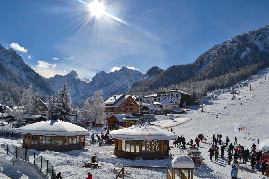 neve in montagna Kraniska Gora