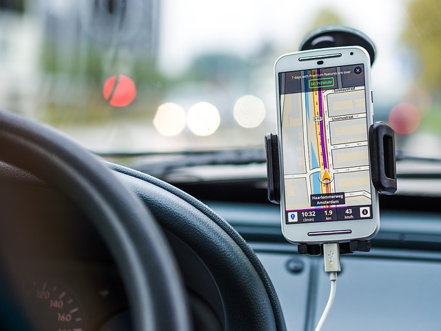 come usare smartphone in viaggio