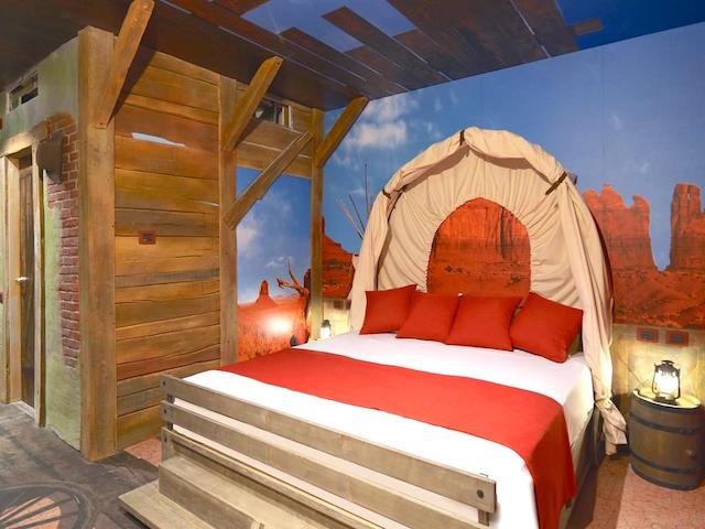 camera hotel a tema far west