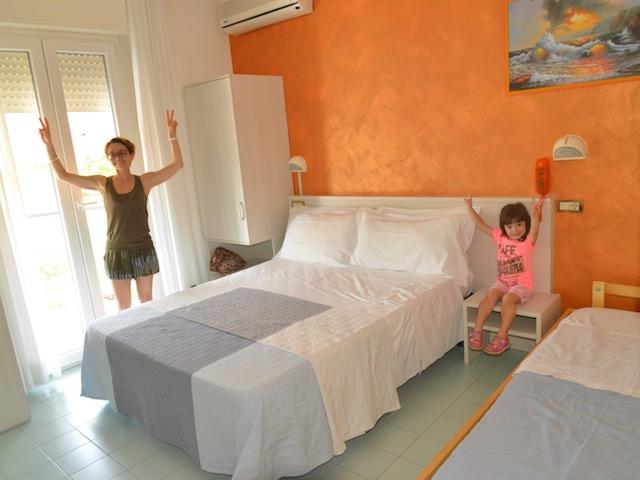 camera hotel tre rose Riccione