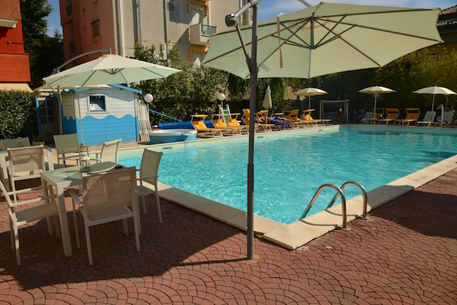 piscina hotel tre rose