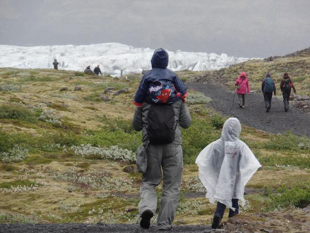 Skaftafellsjokull Islanda con bambini