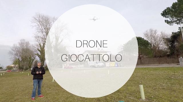 drone giocattolo pieghevole