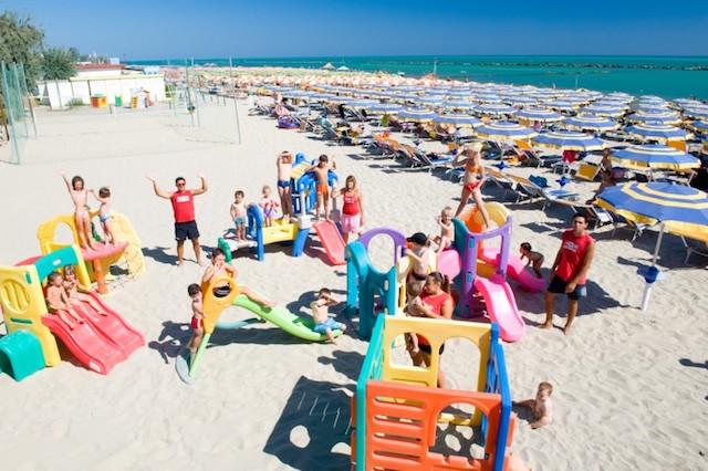 animazione spiaggia con bambini