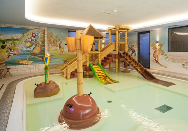 piscina interna per bambini