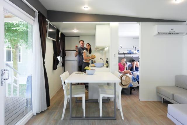 Soggiorno cucina casa mobile