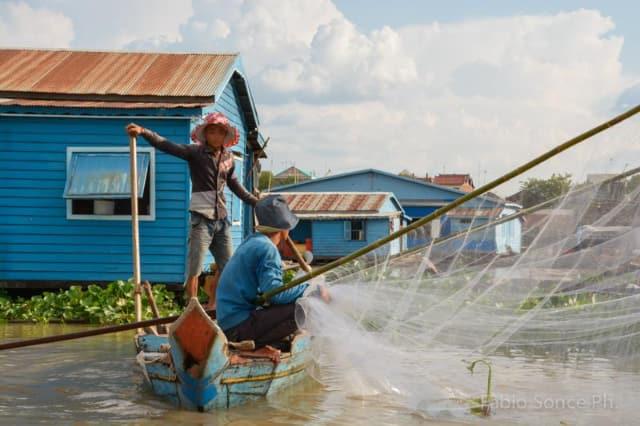Villaggio galleggiante Cambogia