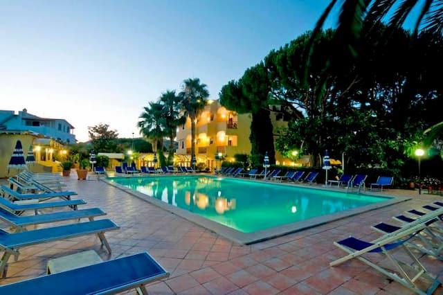 family hotel Ischia con piscina