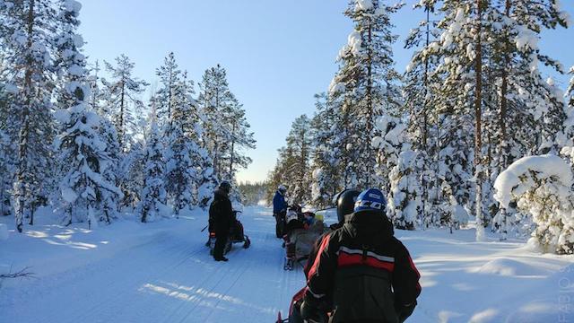 escursione motoslitte Finlandia