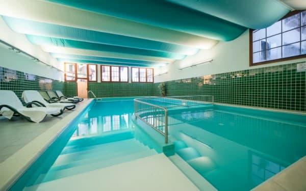 piscina hotel Nevada Folgaria