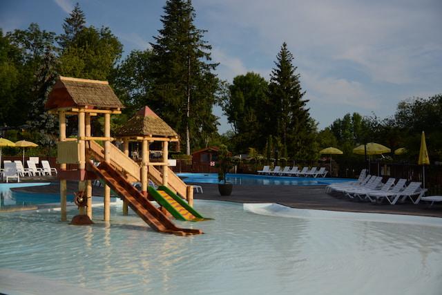 le Chene Gris - Iris parc - piscine bambini