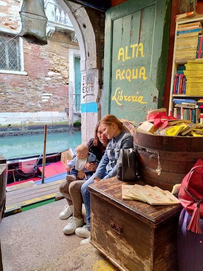 libreria acqua alta Venezia low cost