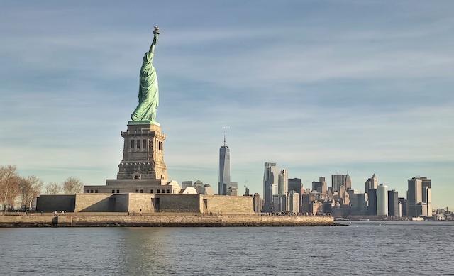 Statua della Libertà vista dal mare