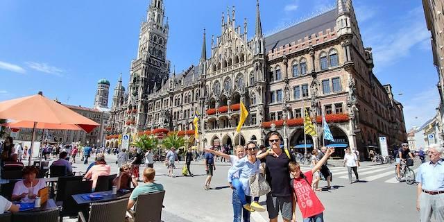 famiglia a Marienplatz