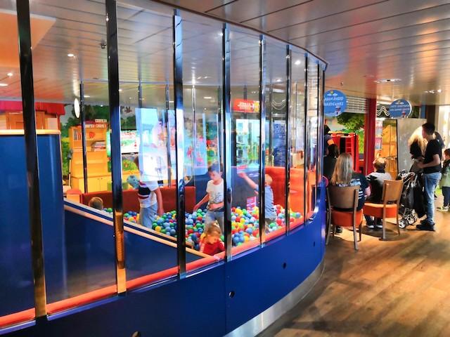 sala giochi bambini nave Baltic Queen