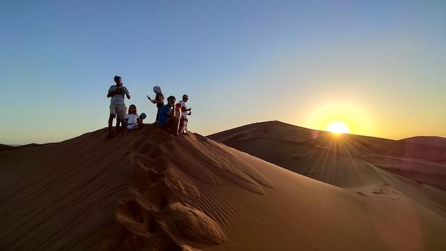 tramonto sahara famiglia