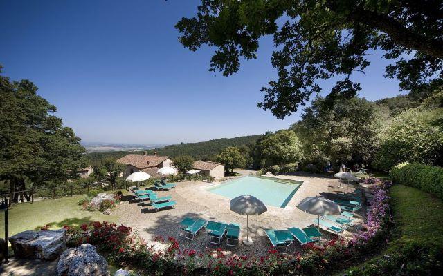 appartamento con piscina Toscana