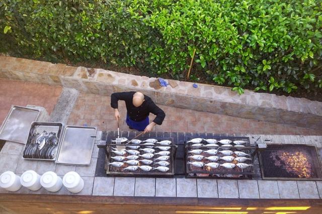 grigliata di pesce al villaggio