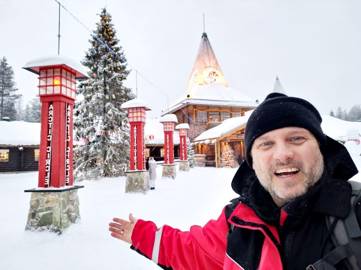 Natale in Lapponia: villaggio di Babbo Natale e caccia all'aurora per il ponte dell'Immacolata e Feste natalizie