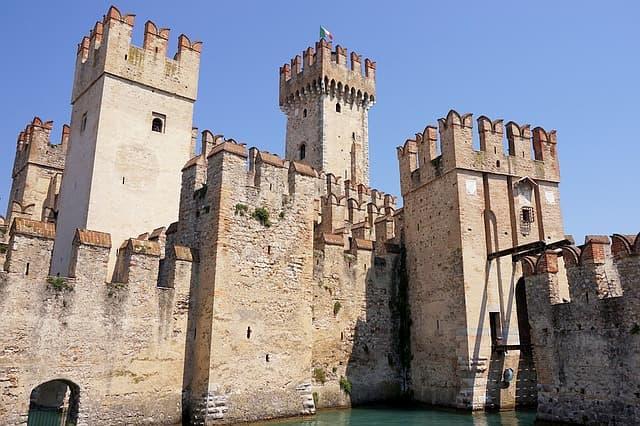 mura castello Sirmione