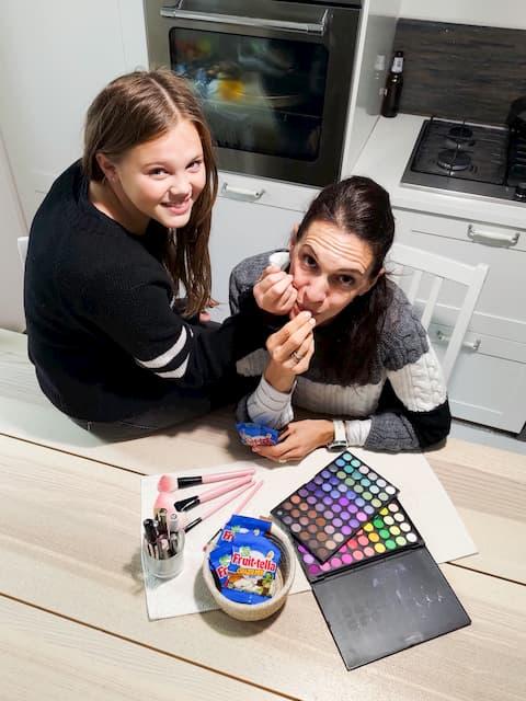face painting fruittella