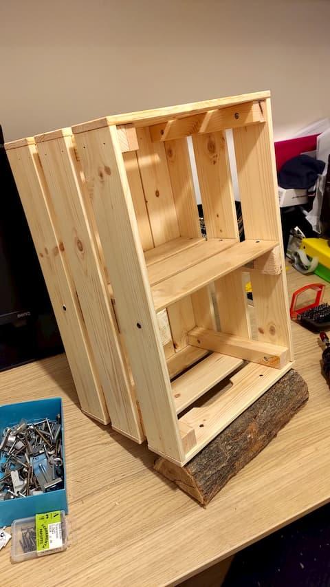 cassetta legno ikea con ripiano