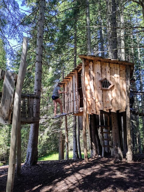 casette sugli alberi in Val Gardena