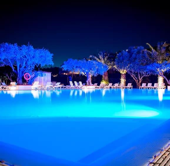 villaggio in Calabria - piscine ala sera