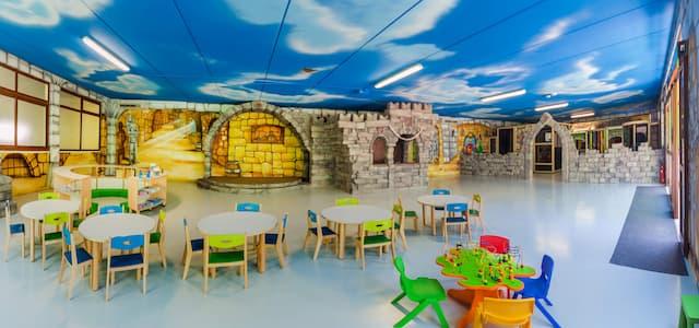 area giochi interna campeggio per famiglie